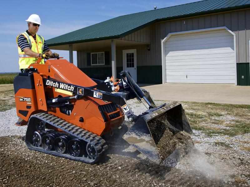 Ditch Witch SK750 mini skid steer loader